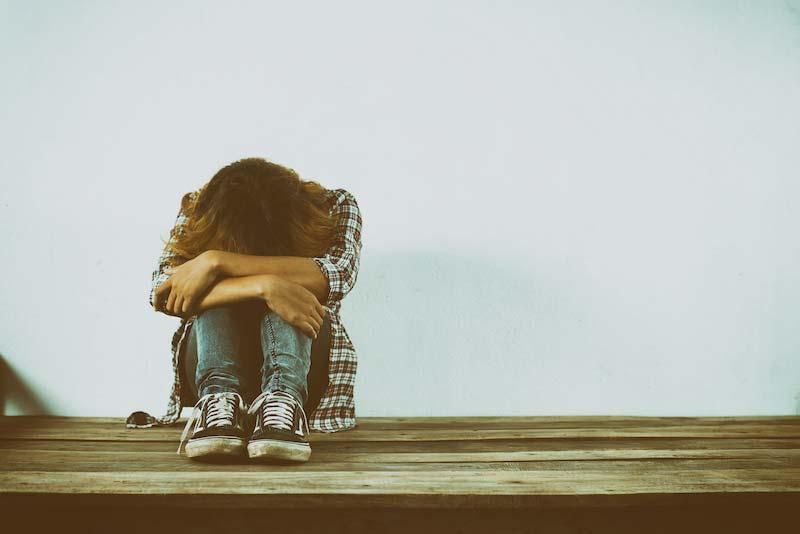 Sentirsi soli: si può sconfiggere questo sentimento per sempre?